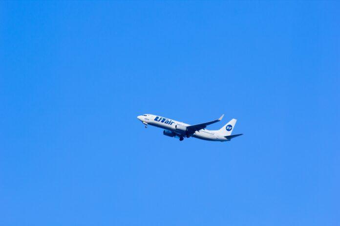 utair aviation, utair, plane