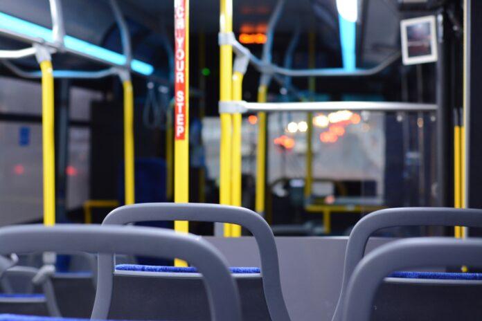 autobus,prázdny